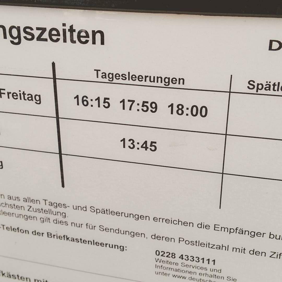 [Instagramfoto] Meine Frage: kommen da jetzt wirklich drei verschiedene Leute die Post abholen? War auch kein Aufkleber am Briefkasten, der mit zwei Leerungen vor 18 Uhr wirbt… #deutschepost #post #leerung #briefkastenleerung #mail #mailbox #Köln #Cologne #ehrenfeld